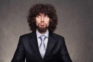 نگهداری از موی فر مردانه