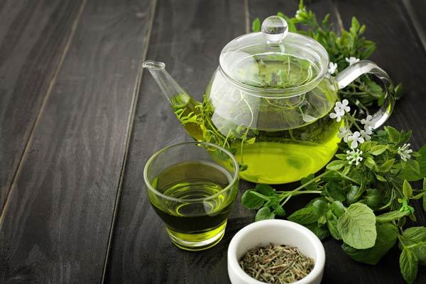درمان ریزش با چای سبز
